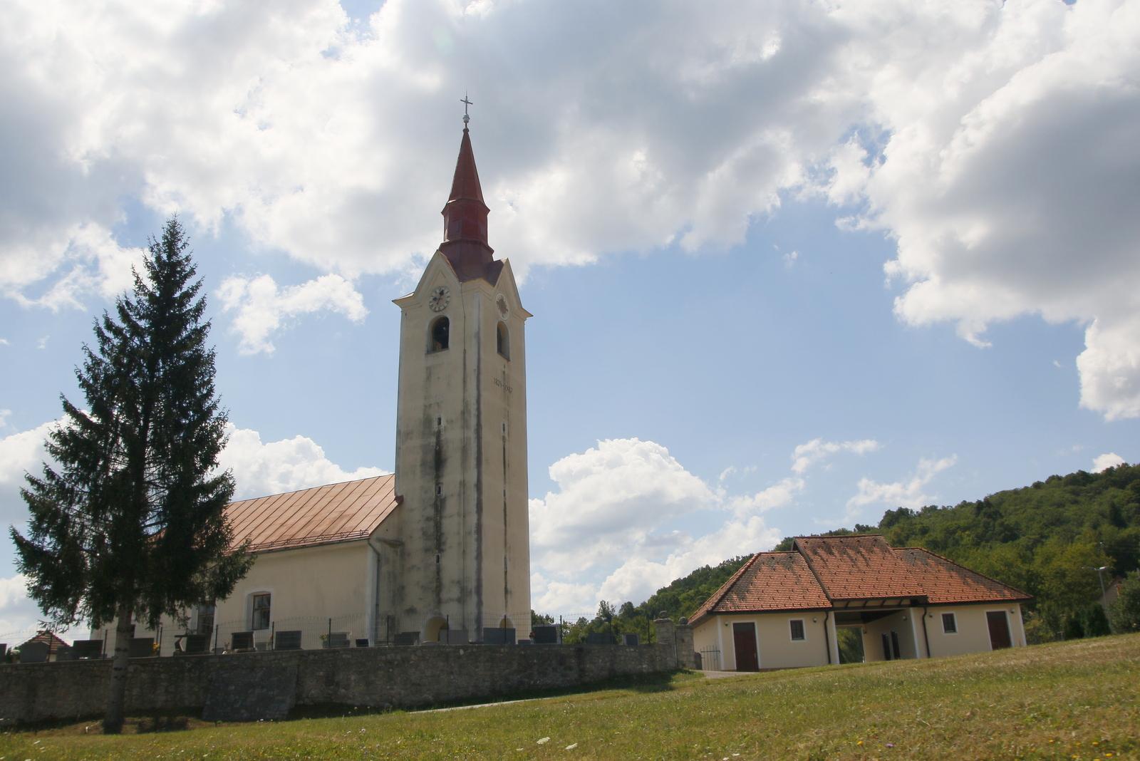 Adlešiči, cerkev sv. Nikolaja