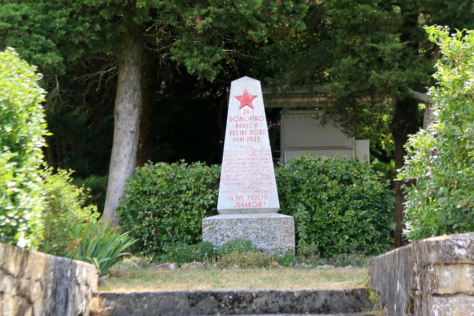 Pomjan Spomenik padlim med vojno