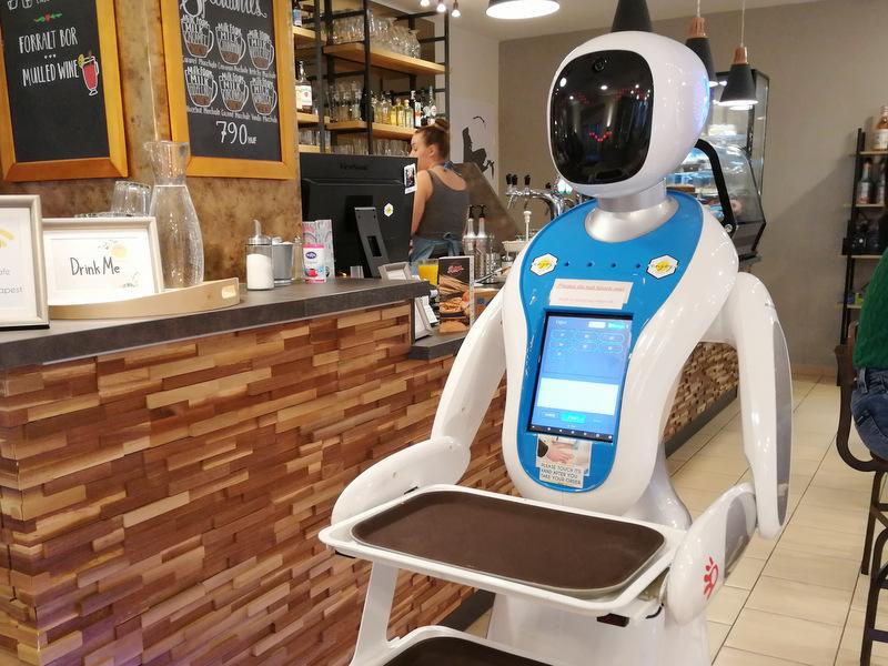 Budimpešta postrežba roboti