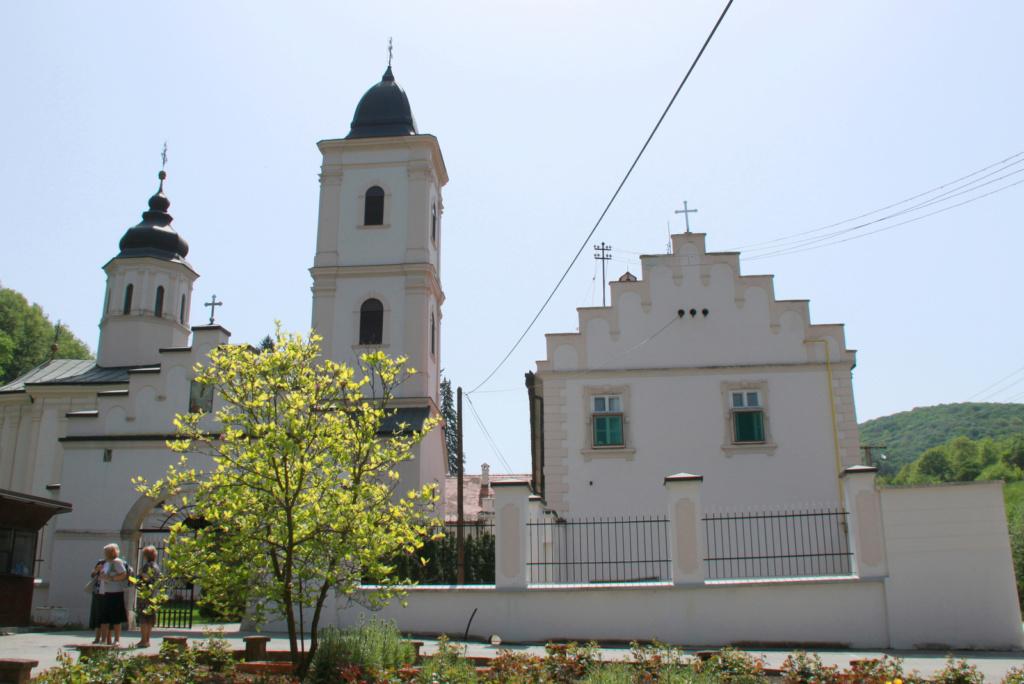 Fruška gora je znana po pravoslavnih samostanih.