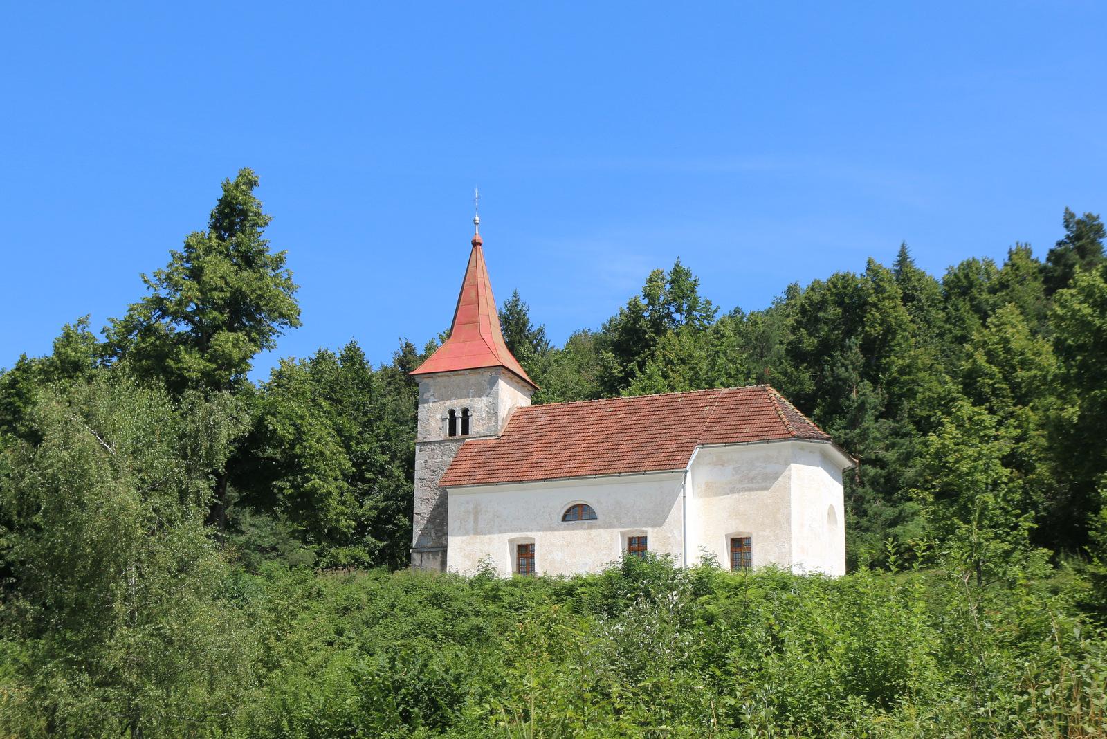 Cerkev Sv. Lenarta v vasi Dobec