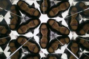 Kalejdoskop, selfi v Hiši iluzij v Ljubljani