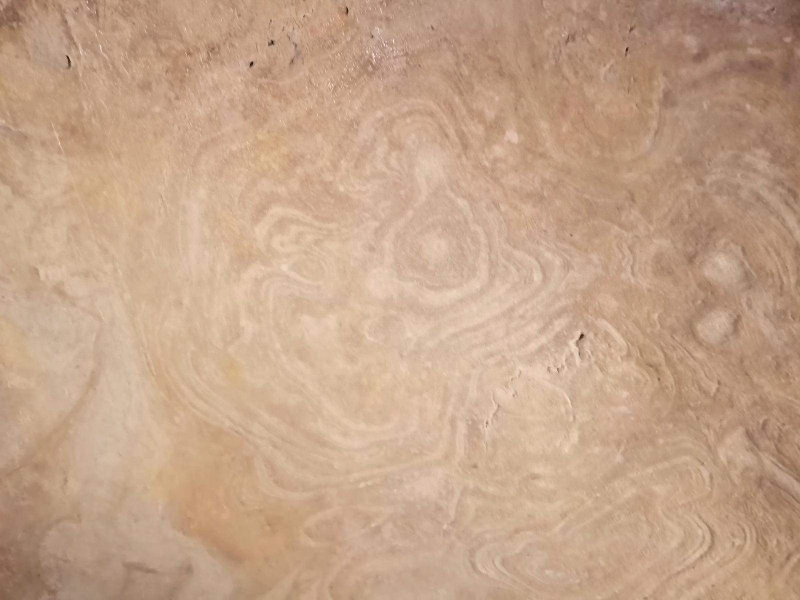 Naravne freske na stropu repnice