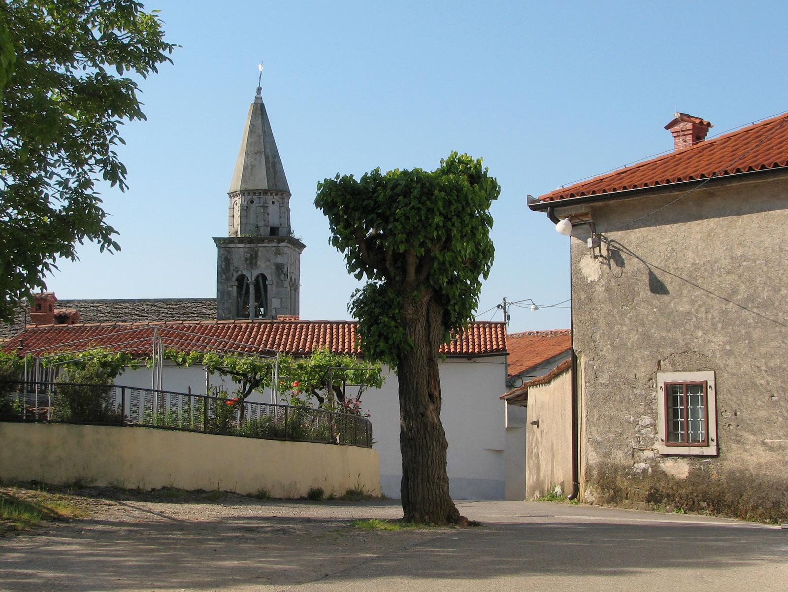 Kobjeglava središče vasi