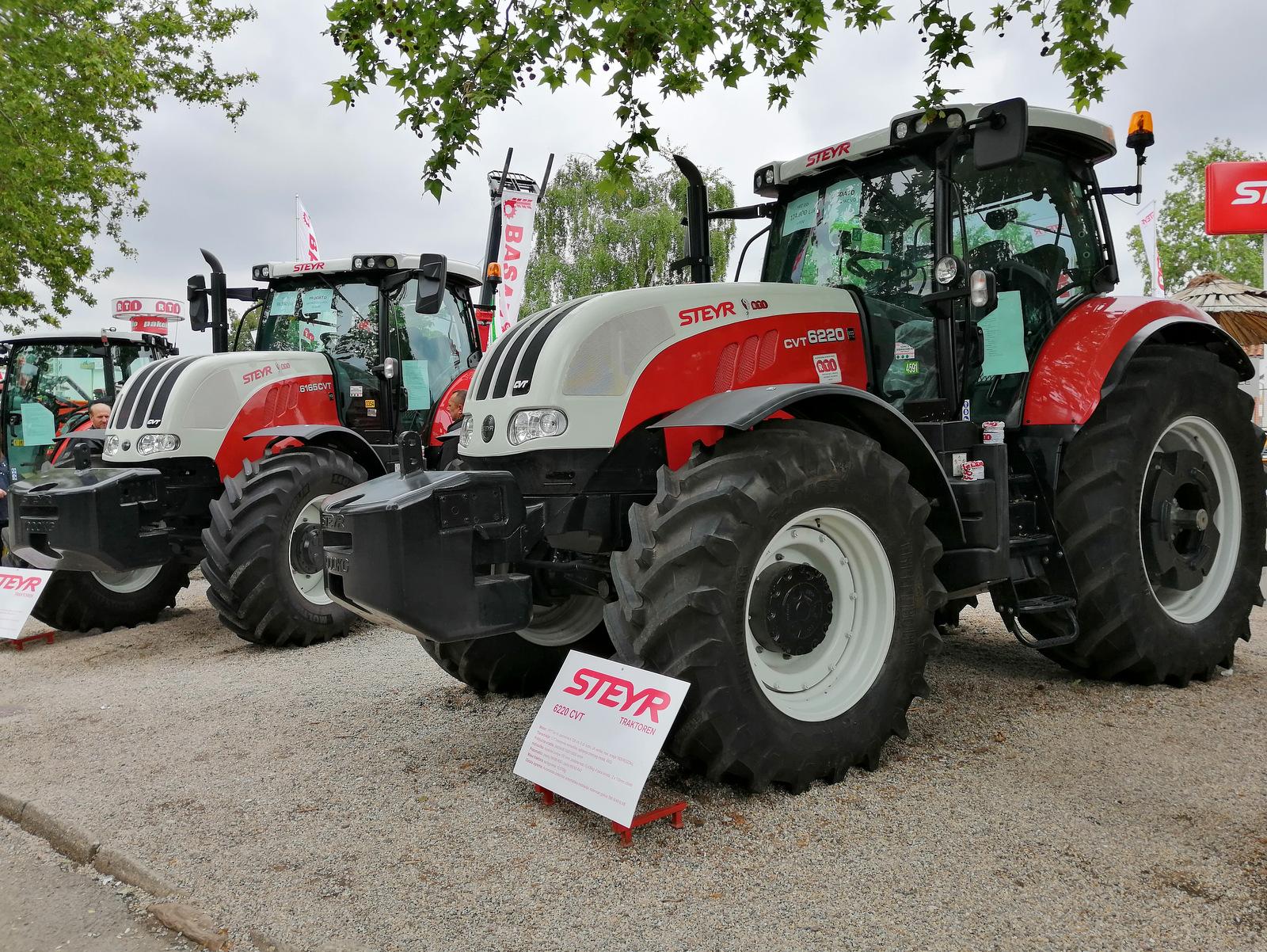 Traktorji na kmetijskem sejmu