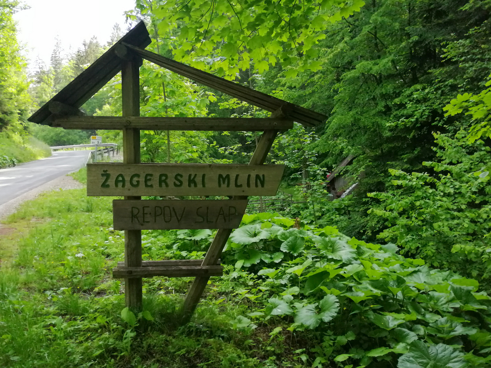 Žagerski mlin, Podvolovljek, smerokaz