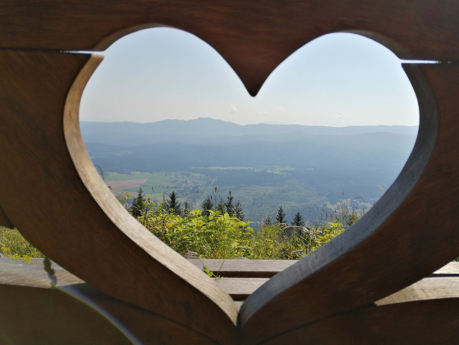 Mestni vrh nad Kočevjem, klopca ljubezni
