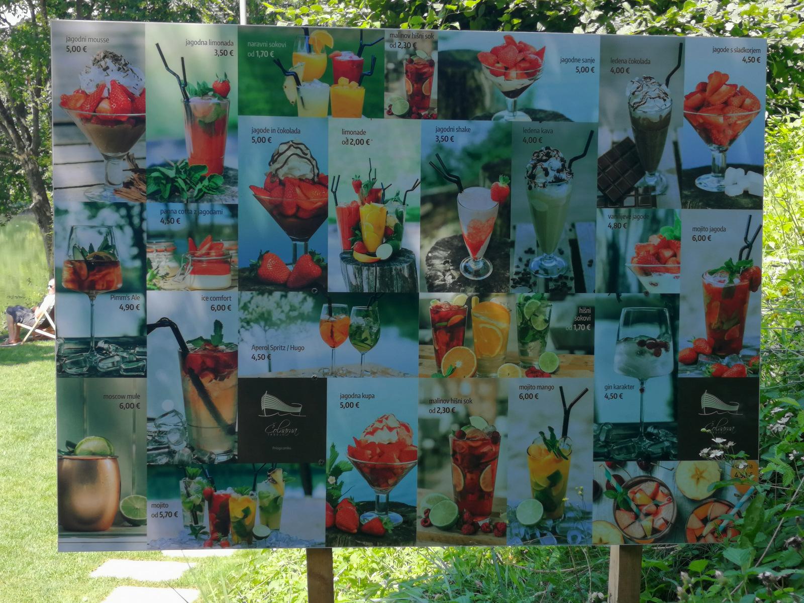 Trbojsko jezero, velik izbor jagodnih sladic in napitkov