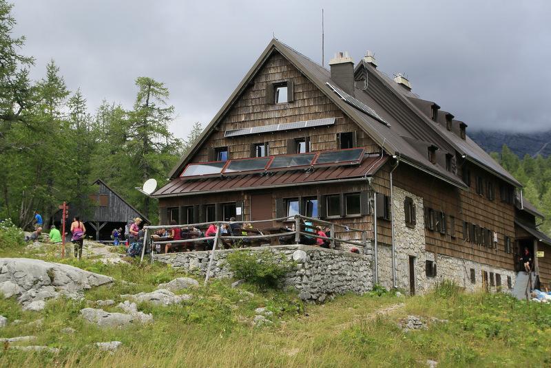 Triglavska jezera, planinski dom