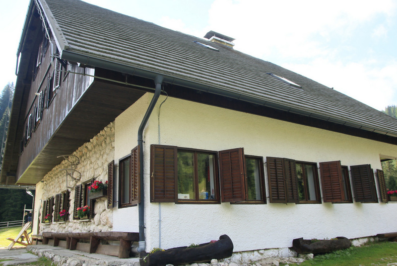 Planino Blato, planinski dom