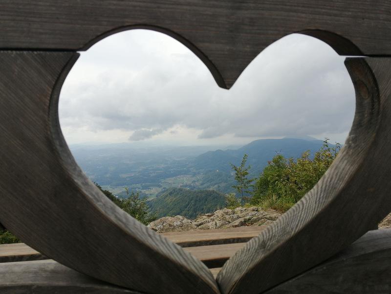 Donačka gora, vrh, klopca ljubezni