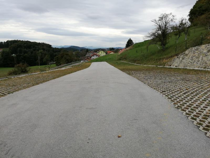 Donačka gora, parkirišče Sv. Jurij